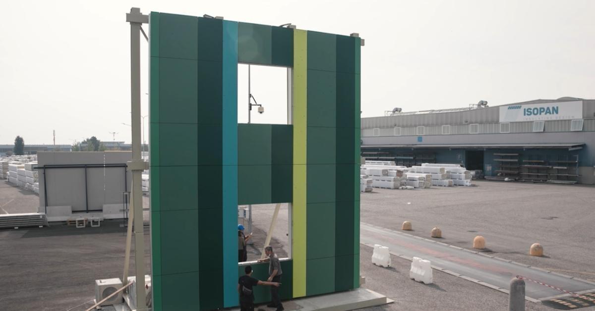 Prototipo di facciata realizzata presso la sede di Isopan
