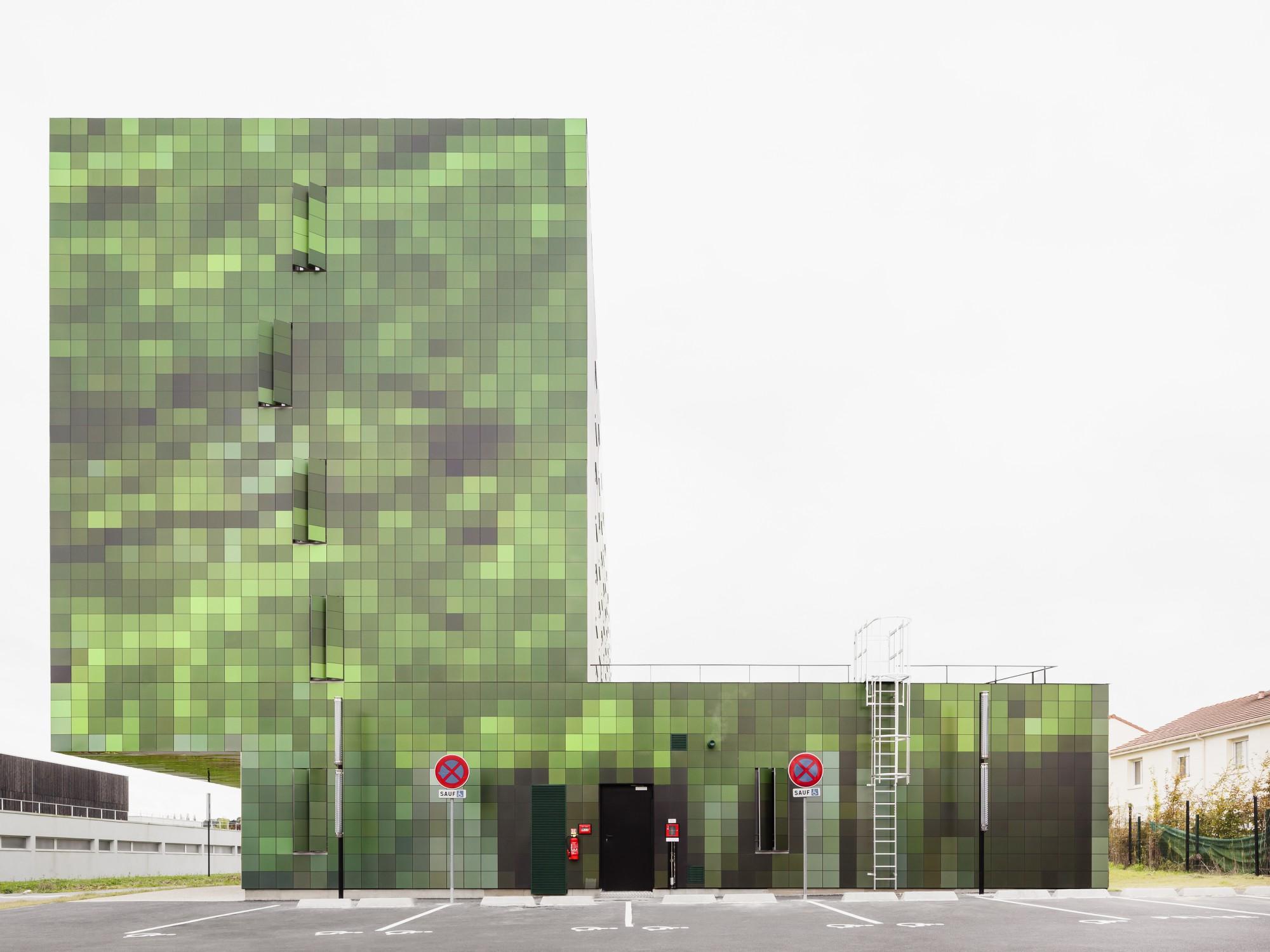 Sistema ISOPRINT, soluciones decorativas corporativas para fachadas